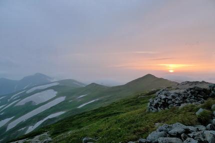 本山小屋から夕日